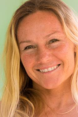 Rochelle Ballard Surf Into Yoga With Rochelle Ballard Healthy Trekking
