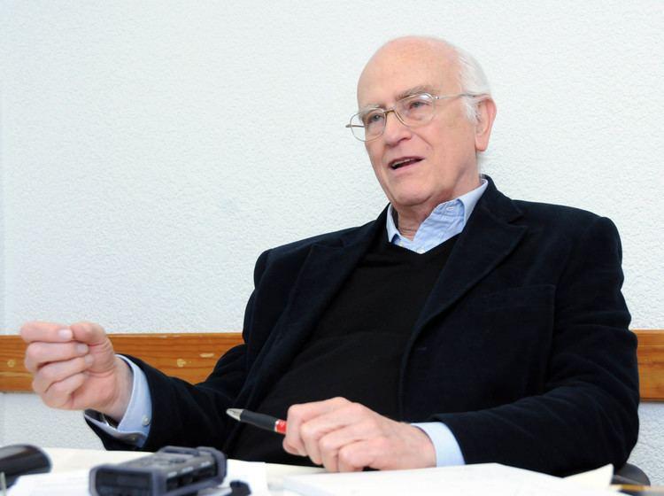 Roger Bartra Analiza Roger Bartra la relacin entre la neurobiologa y