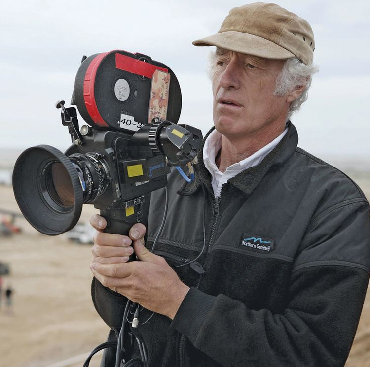 Roger Deakins Deakins will shoot 007 on digital is celluloid history