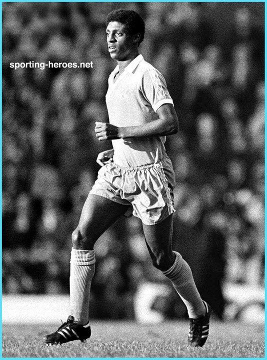 Roger Palmer (footballer) Roger PALMER Biography League apperances Manchester City FC