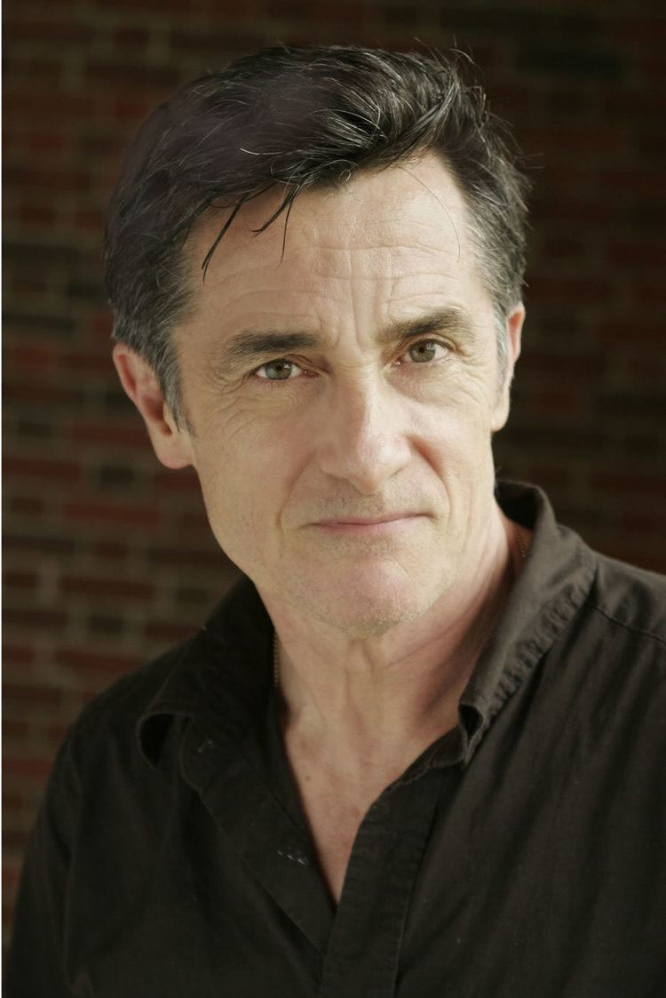 Roger Rees (1944?015 (naturalized American citizen)
