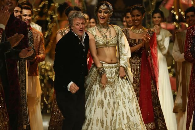 Rohit Bal Rohit Bal Facts You Need To Know About This Indian Designer