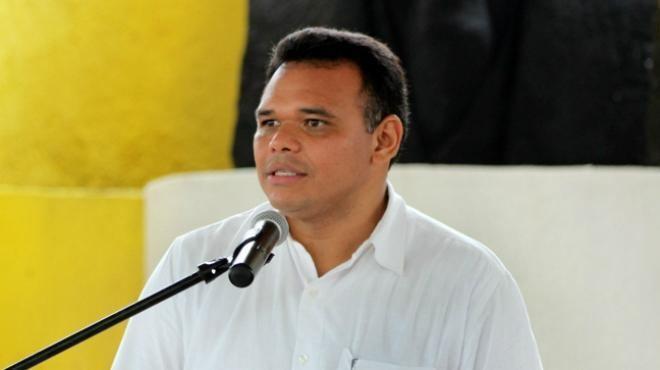 Rolando Zapata Bello Rolando Zapata Receives Recognition as Mexicos Best