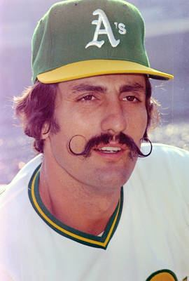rollie-fingers-a52f1d41-86d0-4dee-ae12-d