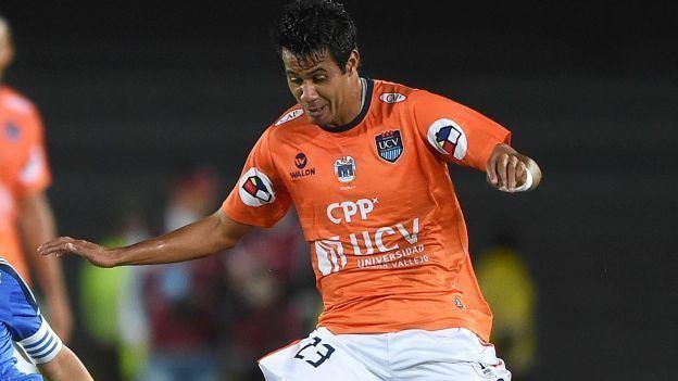 Ronald Quinteros Csar Vallejo mira el tapadn que evit el gol de Ronald