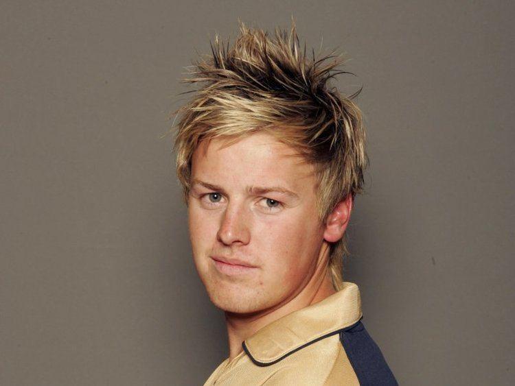 Ross Lyons (Cricketer)