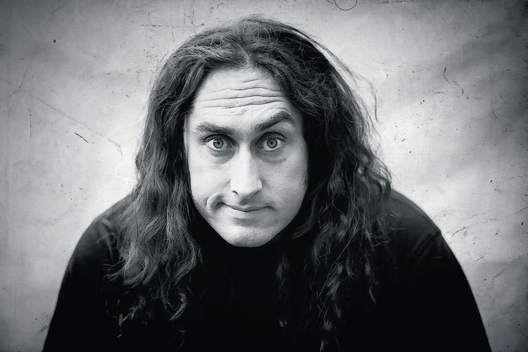 Ross Noble Review Aberdeen audience left in stitches by Ross Noble39s