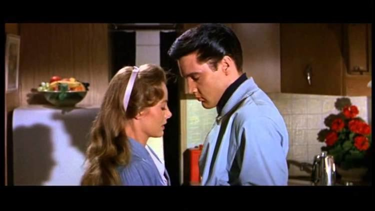 Roustabout (film) ELVIS PRESLEYROUSTABOUT MOVIE TRAILER YouTube