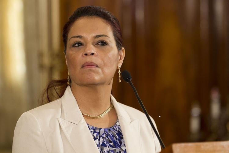 Roxana Baldetti Roxana Baldetti dimiti de la Vicepresidencia La Hora