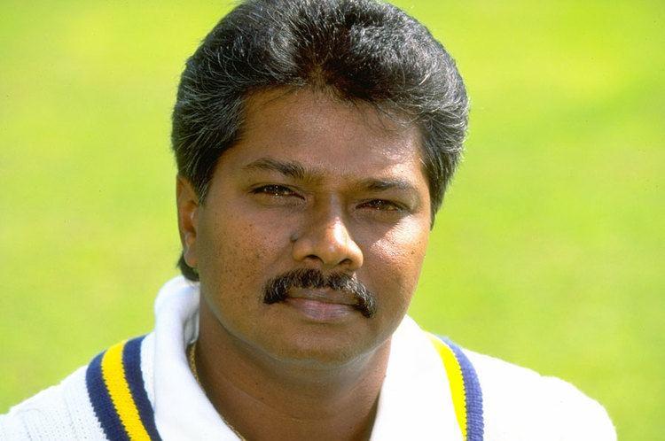 Roy Dias (Cricketer) playing cricket