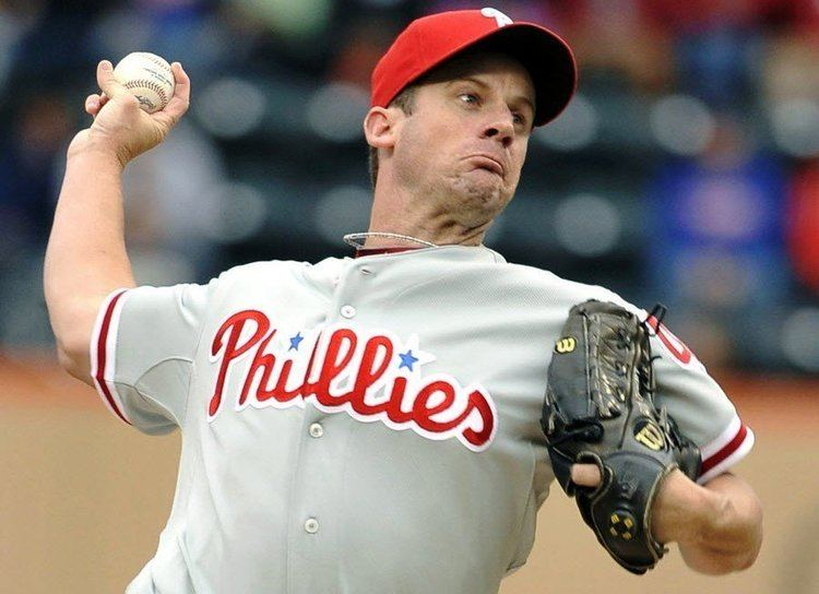Roy Oswalt Phillies pitcher Roy Oswalt hit behind ear with line drive