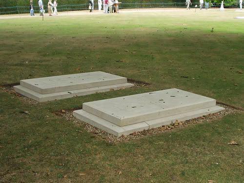 Royal Burial Ground, Frogmore httpssmediacacheak0pinimgcom564x641a53
