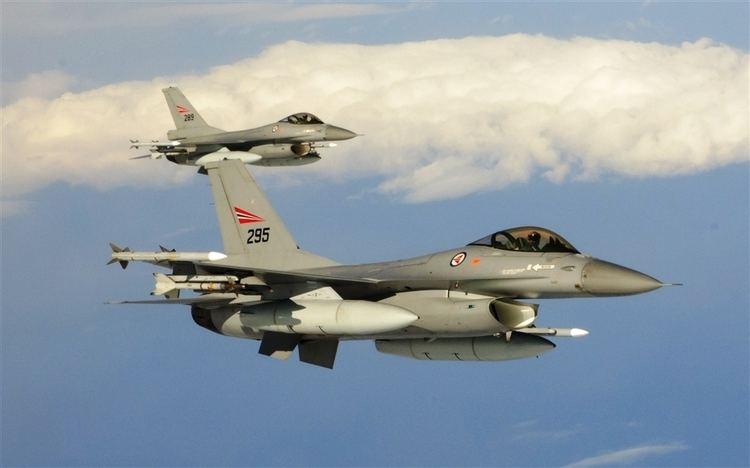Royal Norwegian Air Force FileRoyal Norwegian air force F16s Northern Viking 2011jpg