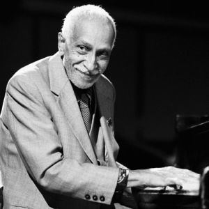 Rubén González (pianist) httpswwwbiographycomimagecfillcssrgbdp