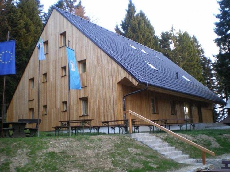 Ruše Lodge httpswwwpzssijavnopostojanke20120502ru