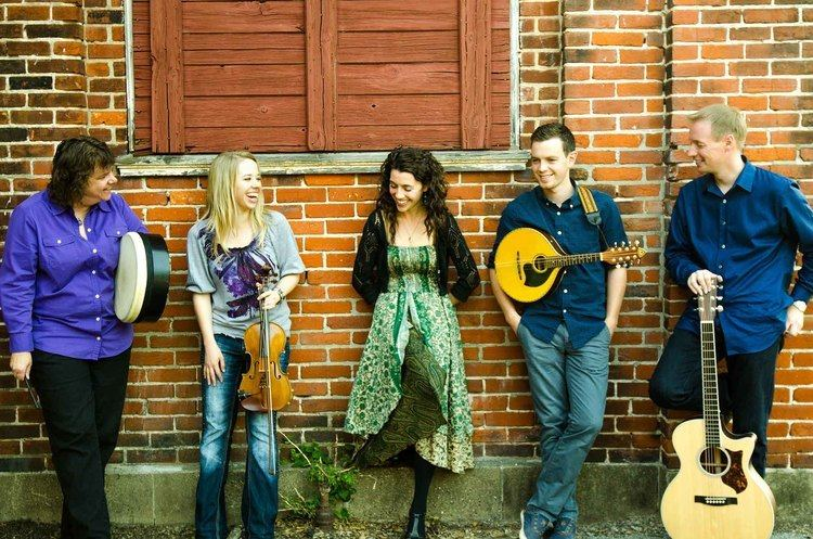 Runa (band) RUNA Celtic Roots Music