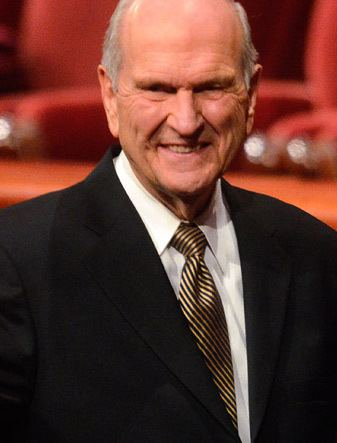 Russell M. Nelson Elder Russell M Nelson Of the Quorum of the Twelve Apostles