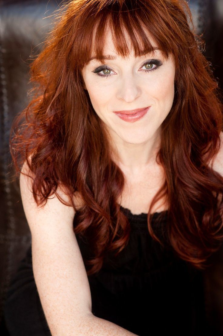 Ruth Connell Actress Ruth Connell Rowena forredheads stars