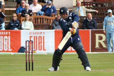 Ryan Flannigan (Cricketer) playing cricket