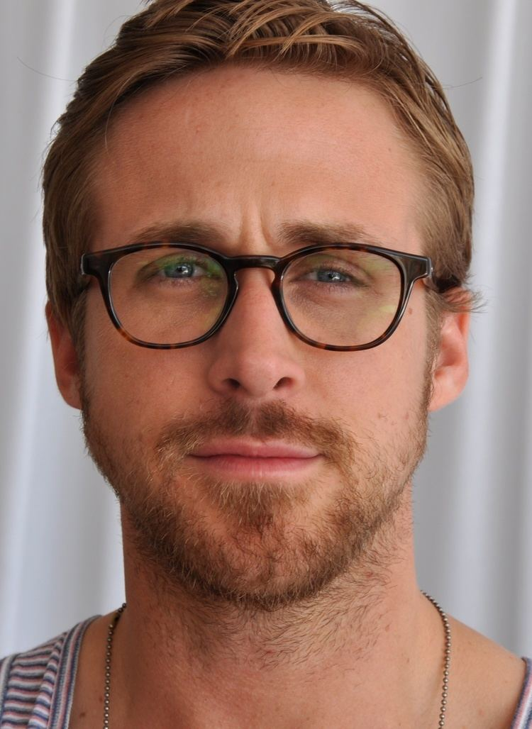 Ryan Gosling httpsuploadwikimediaorgwikipediacommonsff