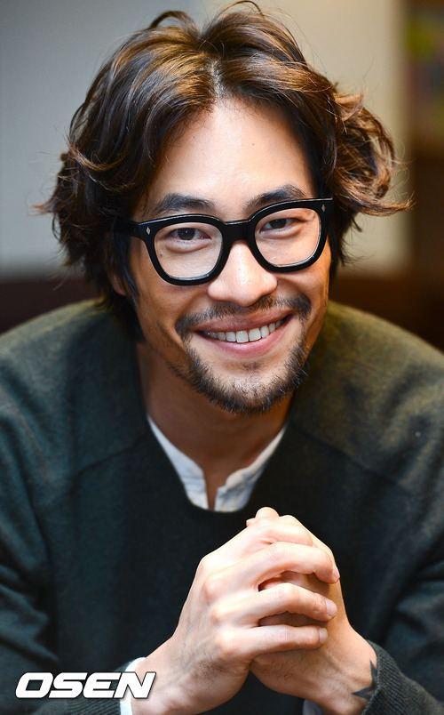 Ryoo Seung-bum Ryu Seung Bum 80 debut 2001 Glasses Pinterest