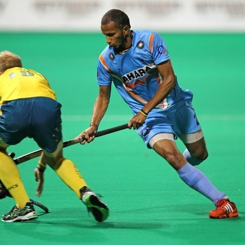 S. V. Sunil Resurgent India stun Australia 10 take 21 lead in four