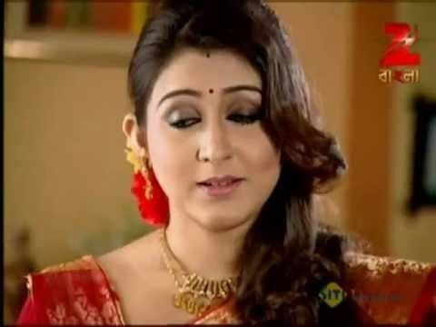 Oindrila Sen in a scene from the 2009 movie, Saat Paake Bandha