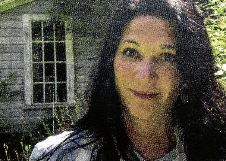Sabina Murray PENFaulknerwinning FilAm fictionist Sabina Murray holds