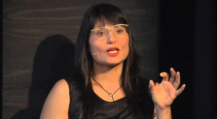 Sabine Seymour The beauty of 2nd skin Sabine Seymour TEDxTransmedia