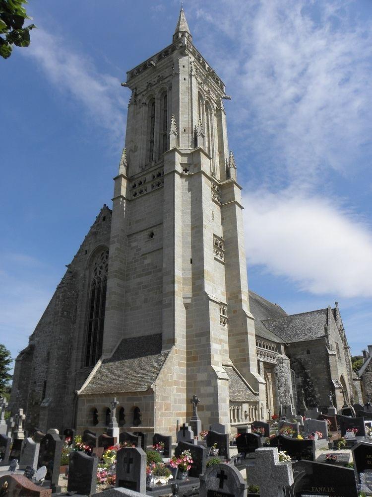 Saint-Jean-du-Doigt Parish close