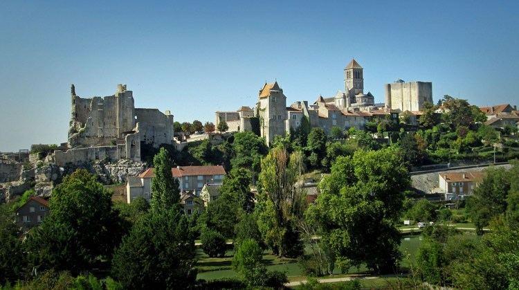 Saint-Savin, Vienne httpsiytimgcomviQi4wr81Wkmaxresdefaultjpg