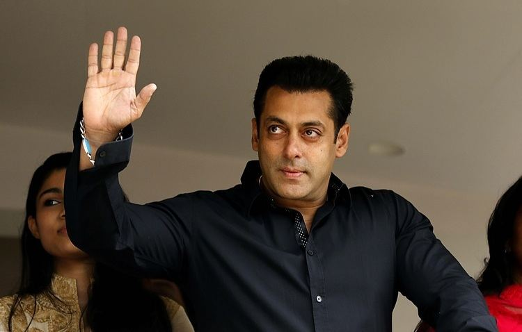 Salman Khan Mata Guda 10 da Salman Khan ya auraamma fa a fim AL39UMMATA