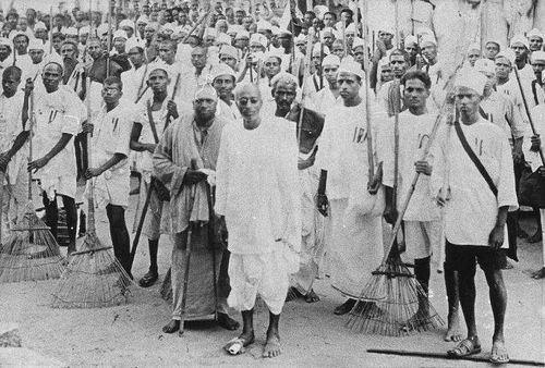 Salt March Vedaranyam salt march April 301930 hurdles on the way Navrang