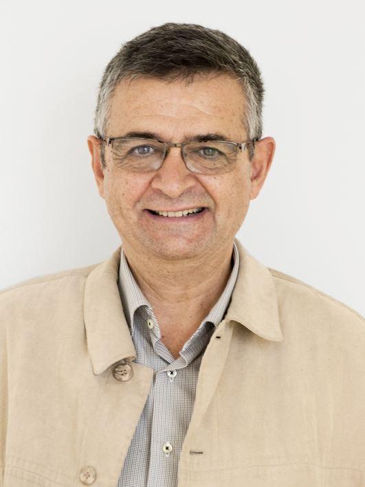 Salvador Milà httpsuploadwikimediaorgwikipediacommons33