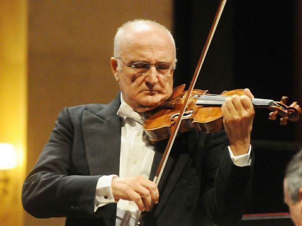Salvatore Accardo Salvatore Accardo plays Paganini violin concerto No6