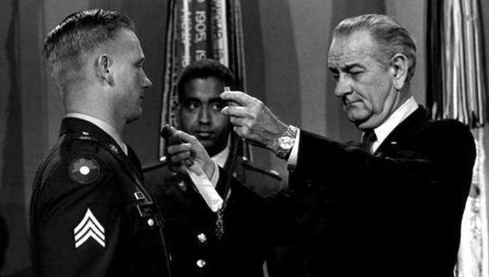 Sammy L. Davis Medal of Honor Recipient Sammy L Davis Interview Pritzker