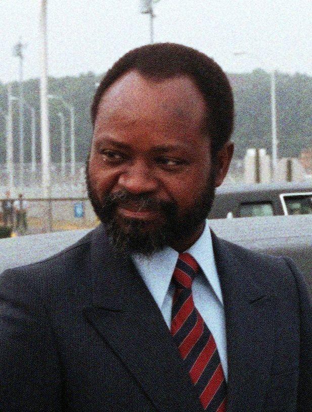 Samora Machel httpsuploadwikimediaorgwikipediacommonscc
