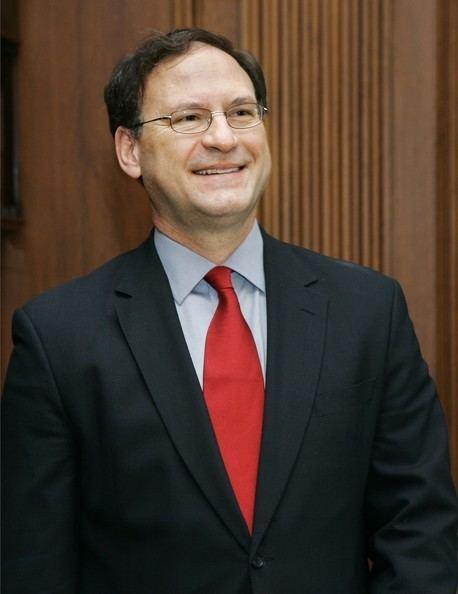 Samuel Alito Samuel Alito Photos Supreme Court Holds Investiture