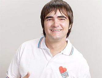 Samuel Rosa Samuel Rosa veste a camisa da campanha de alerta sobre
