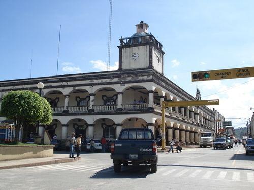 San Pedro Carchá httpsmw2googlecommwpanoramiophotosmedium