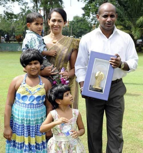 Sanath Jayasuriya (Cricketer) family