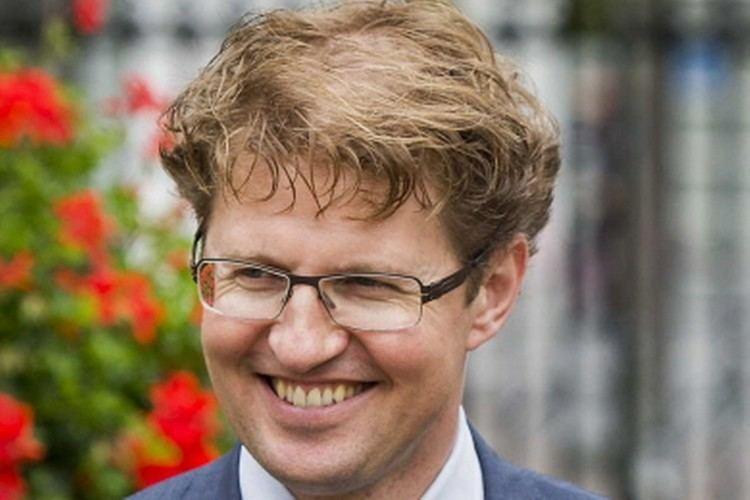 Sander Dekker Dekker wil ideen over toekomst onderwijsBinnenland