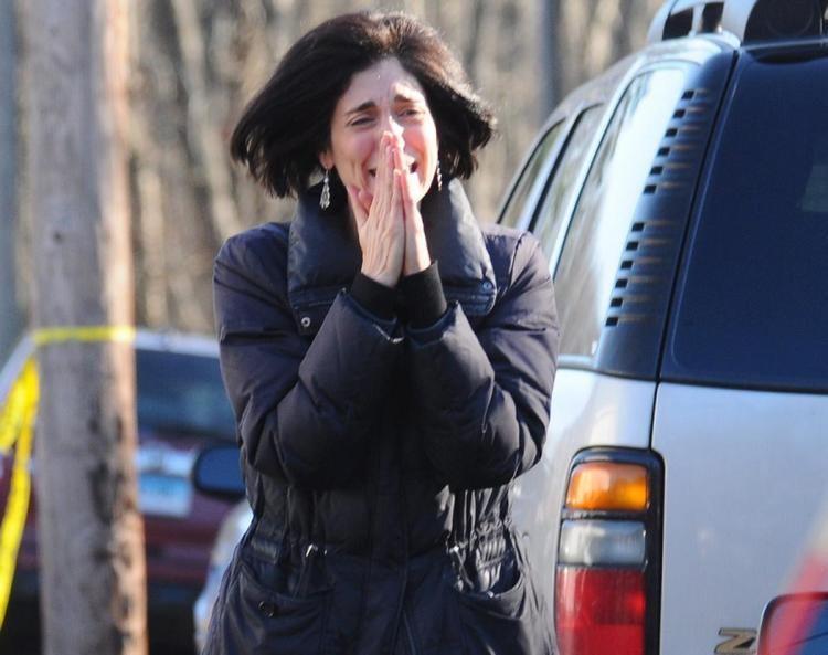 Sandy Hook Elementary School shooting Sandy Hook Elementary School in Newtown Conn Photos