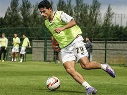 Santiago Aloi Full Contact client Santiago Aloi signs for Kidderminster Harriers