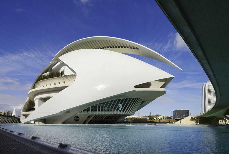 Santiago Calatrava calatrava sued by valencia for crumbling opera house
