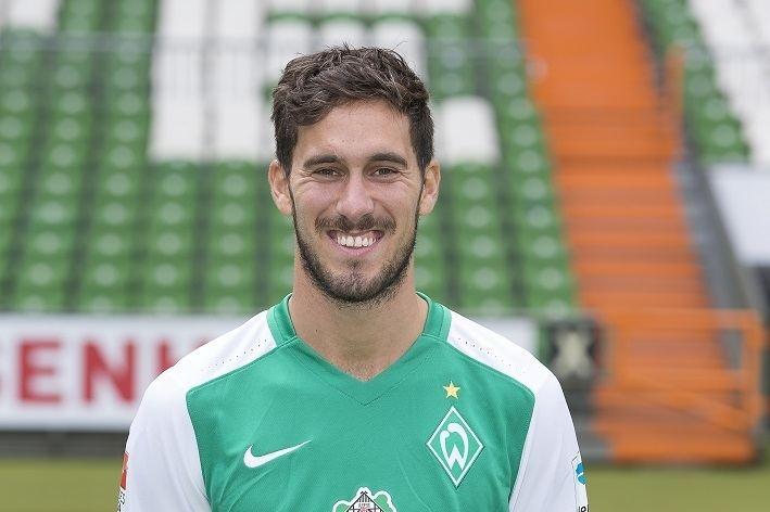 Santiago García (Argentine footballer) Scout Report Santiago Garca Planet Benfica