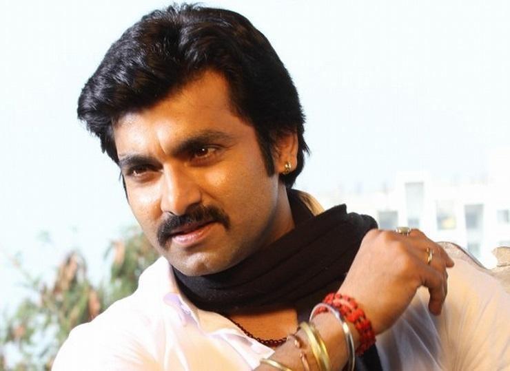 Santosh Juvekar Santosh Juvekar is Salman Khan of Marathi Films39 Says Amar