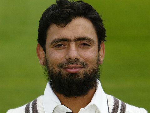 Saqlain Mushtaq (Cricketer)