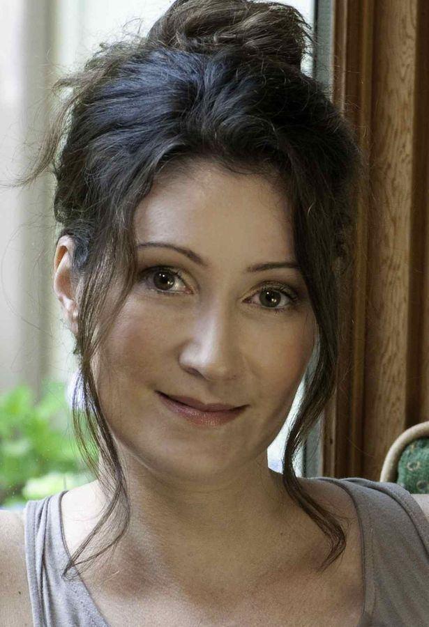 Sara Gruen i0wpcomwaterforelephantsfilmcomwpcontentupl
