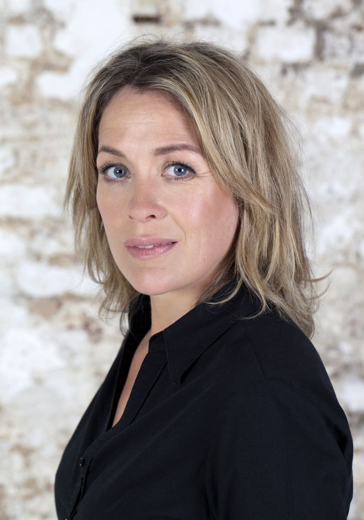 Sarah Beeny Sarah Beeny39s ultimate dating guide for single mums The